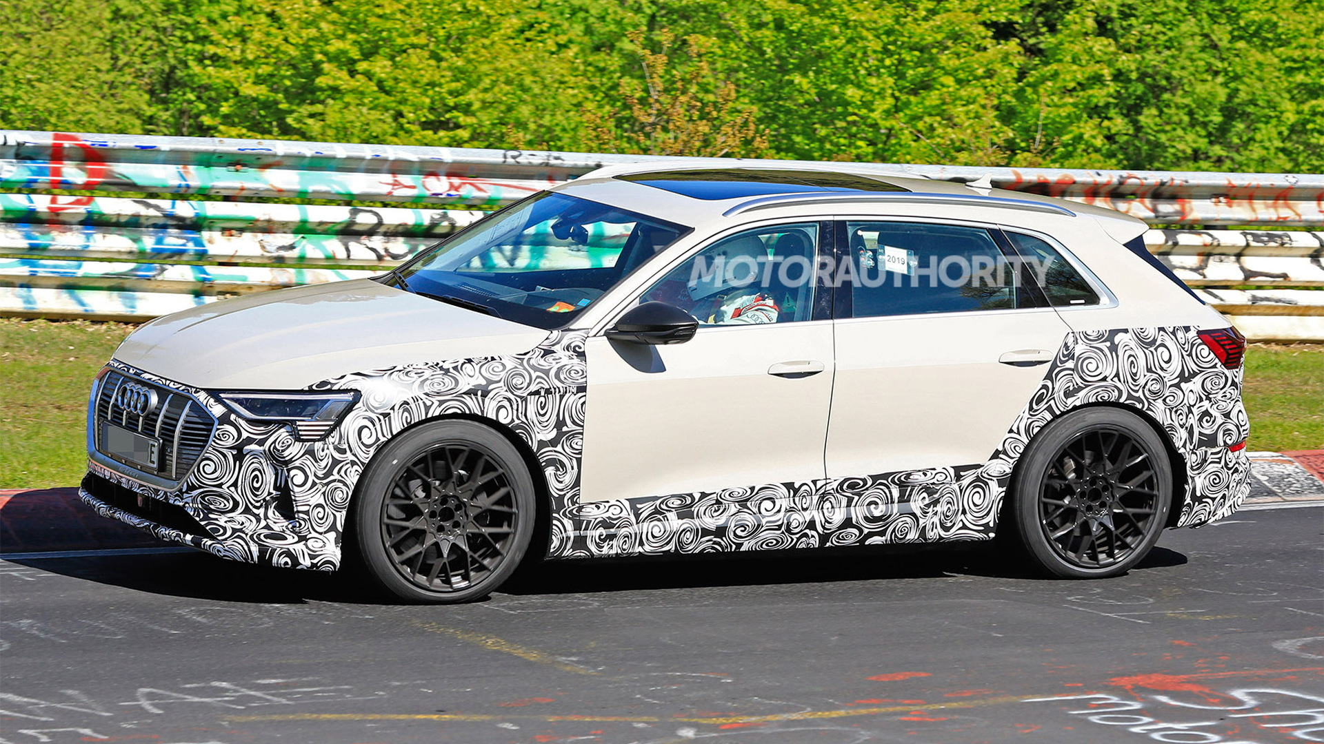 2020 Audi E-tron S spy shots - Image via S. Baldauf/SB-Medien