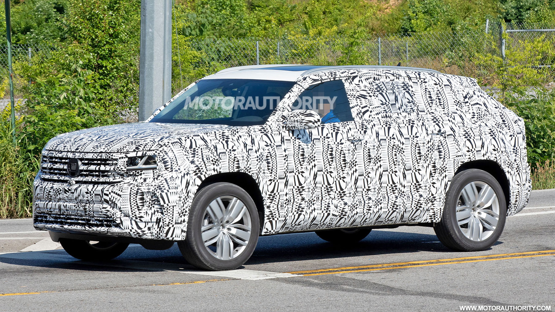 2020 Volkswagen Atlas Cross Sport Spy Shots