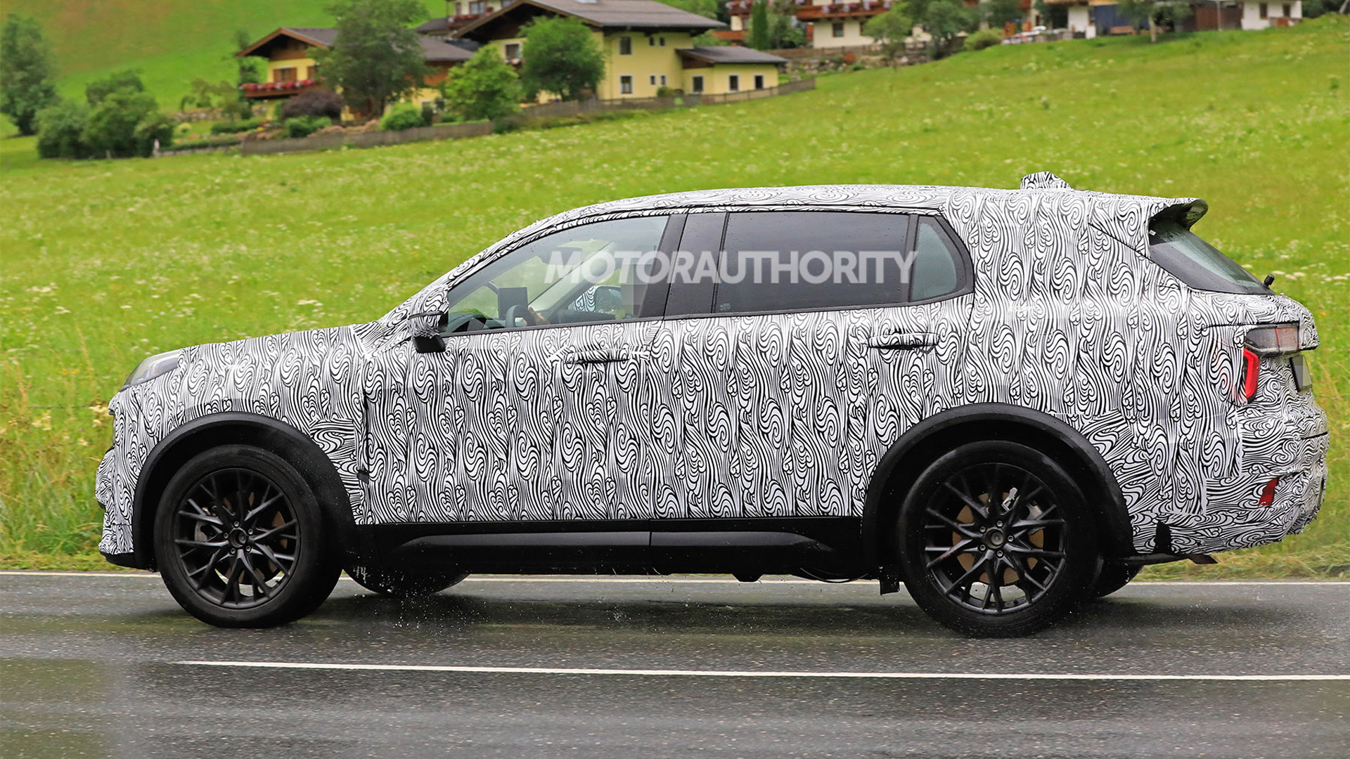 2021 Lynk & Co. 01 with third-row seats spy shots