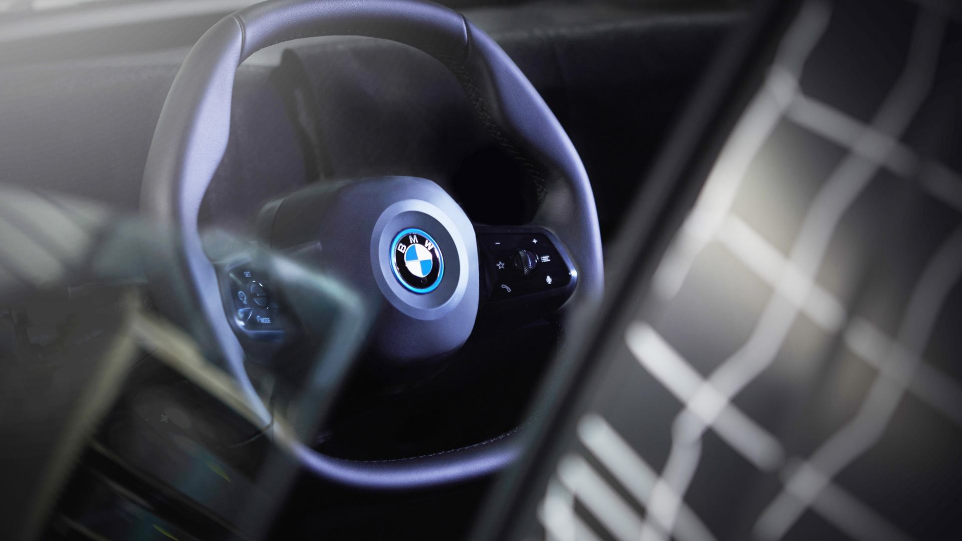 BMW iNext steering wheel