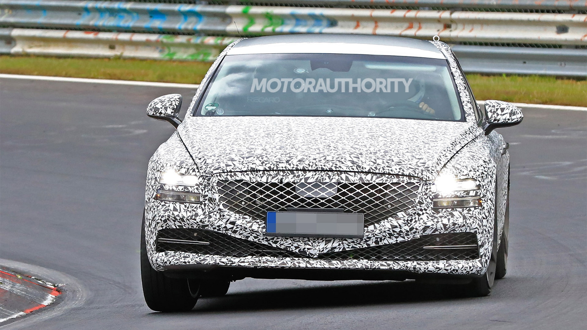 2021 Genesis G80 spy shots - Photo credit: S. Baldauf/SB-Medien