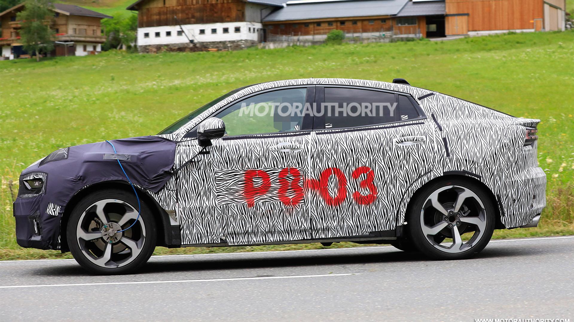 2020 Lynk & Co. 05 spy shots - Image via S. Baldauf/SB-Medien