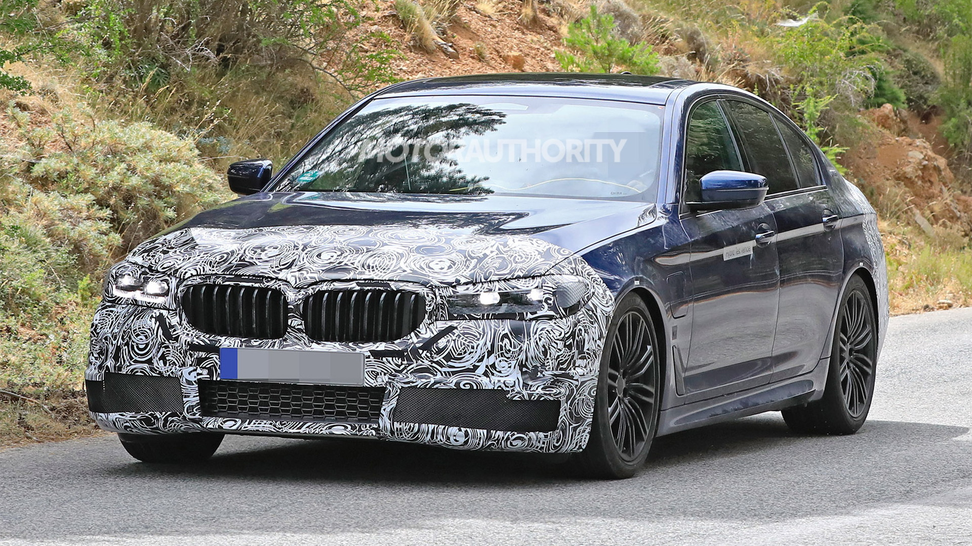 2021 BMW 5-Series facelift spy shots - Photo credit S. Baldauf/SB-Medien
