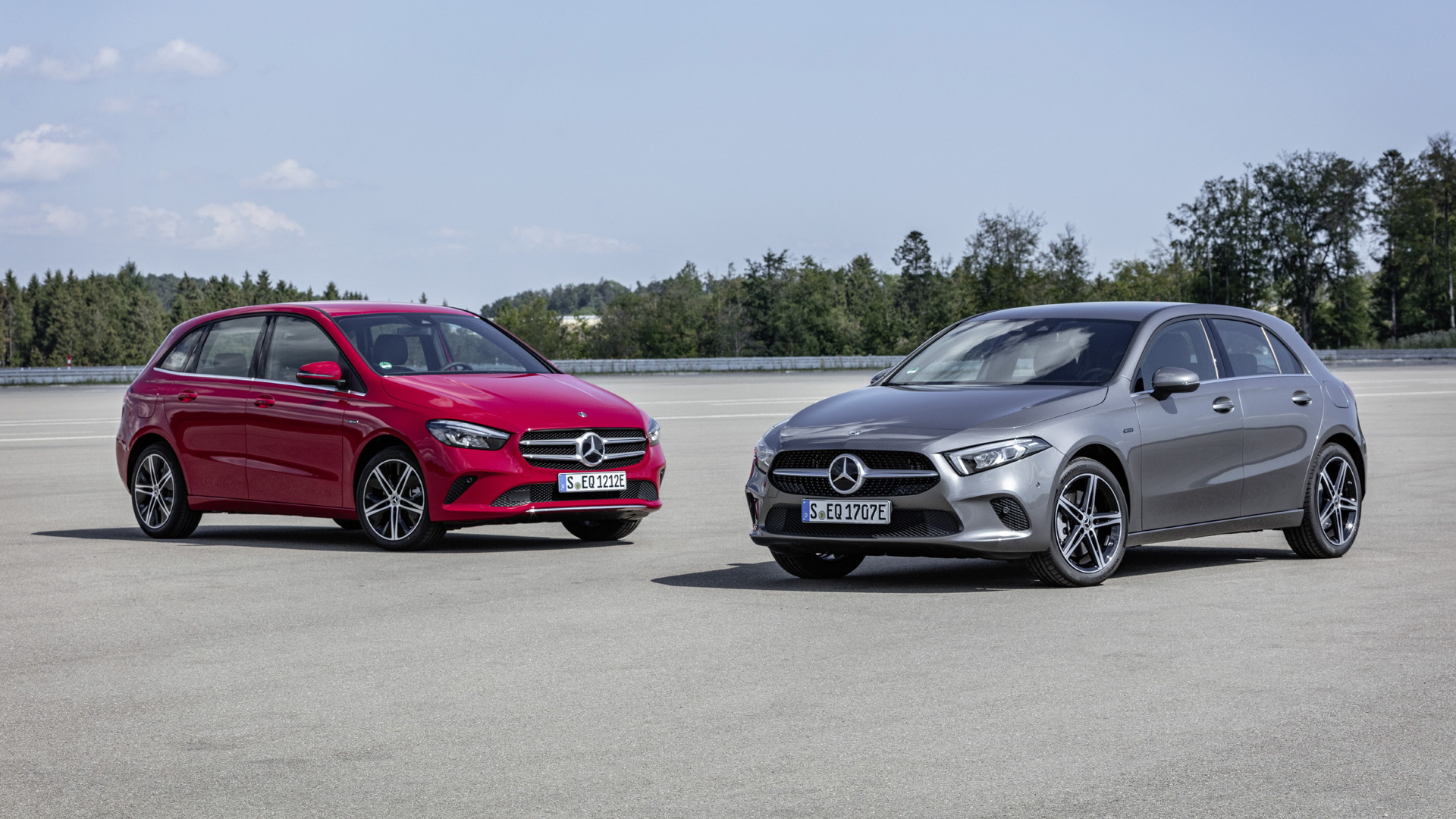 2019 Mercedes-Benz A250e hatchback and B250e