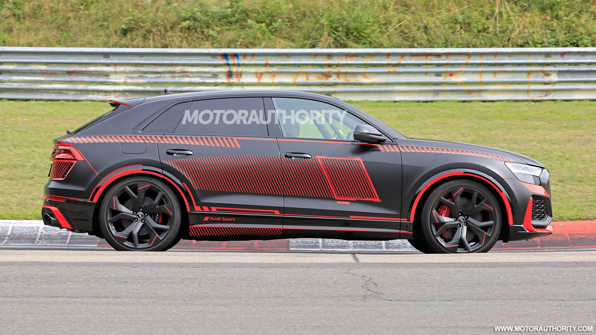 2020 Audi RS Q8 spy shots - Photo credit: S. Baldauf/SB-Medien