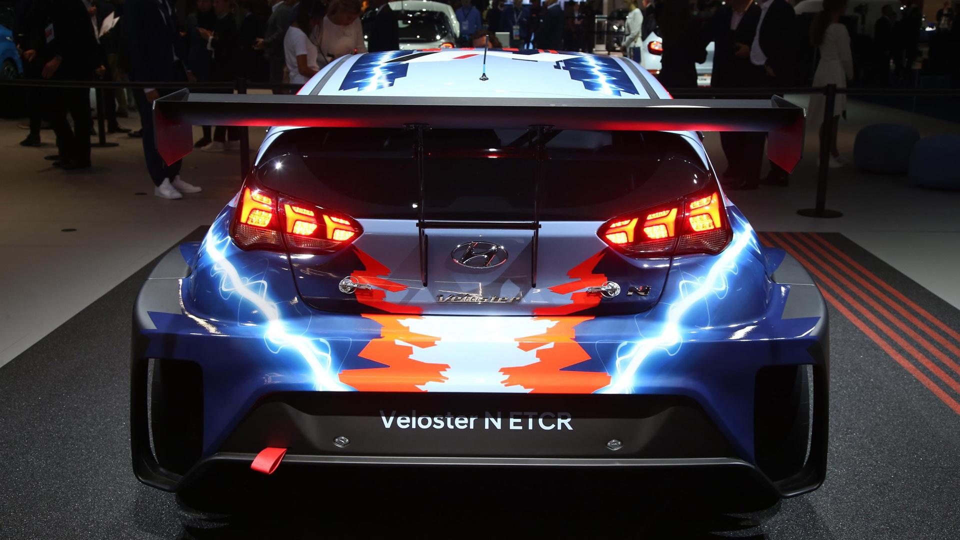 2020 Hyundai Veloster N ETCR race car