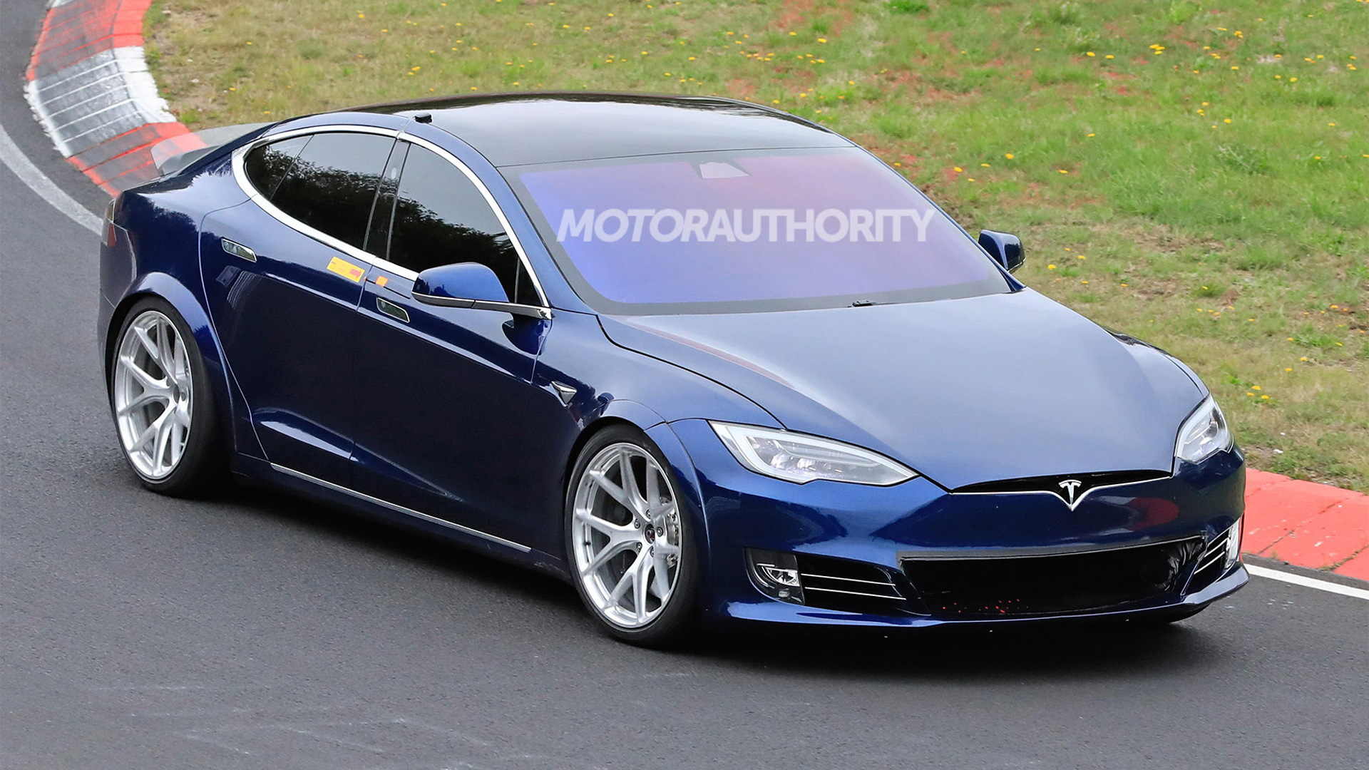 Tesla Model S Plaid spy shots - Photo credit: S. Baldauf/SB-Medien