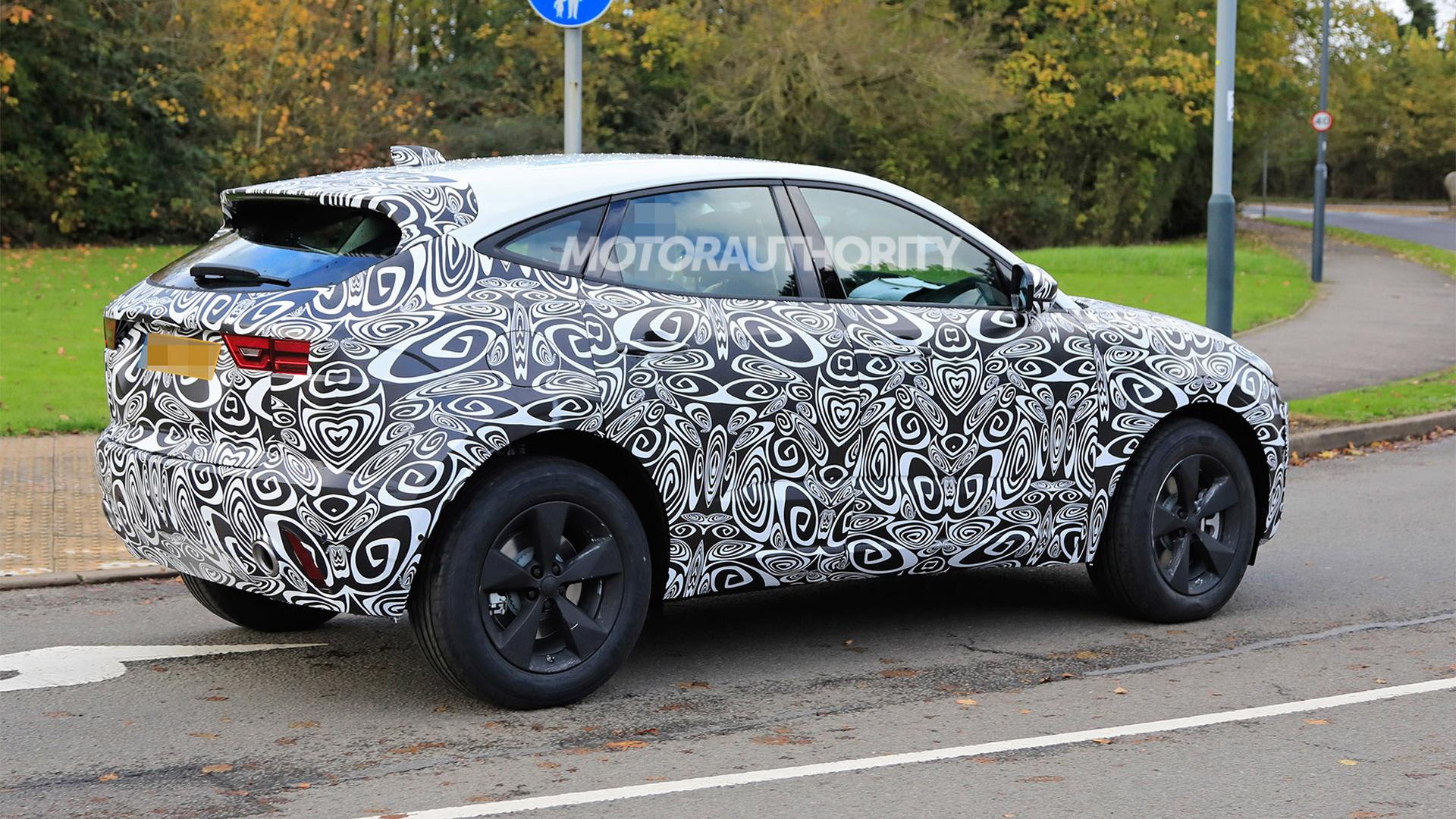 2021 Jaguar E-Pace facelift spy shots - Photo credit: S. Baldauf/SB-Medien