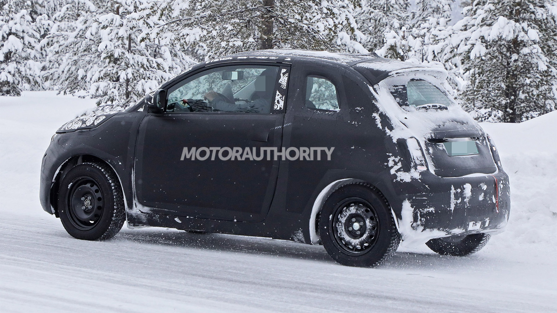 2021 Fiat 500e spy shots - Photo credit: S. Baldauf/SB-Medien