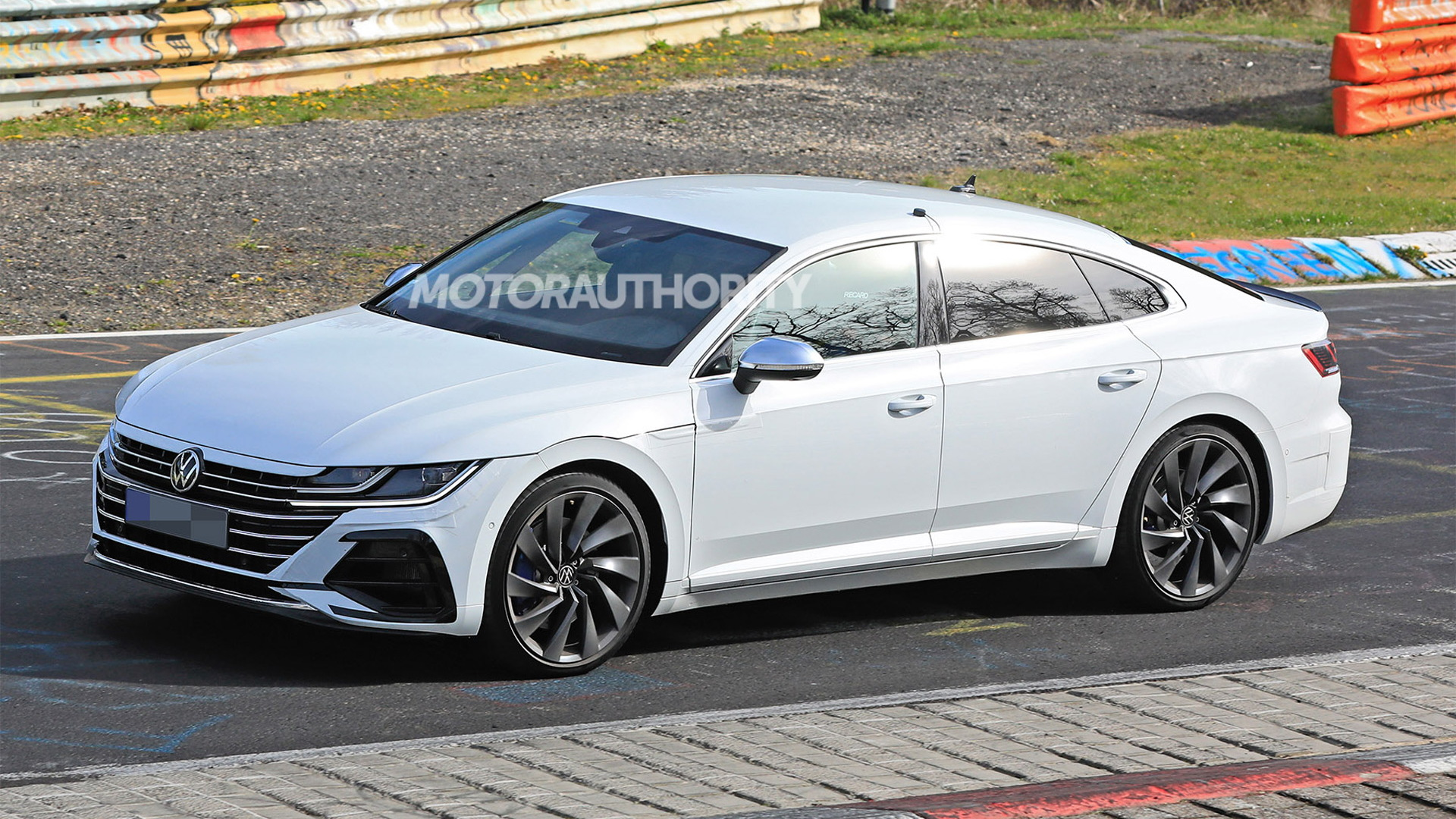 2021 volkswagen arteon r spy shots and video