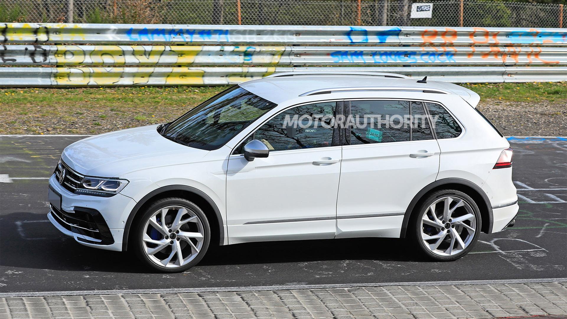 2021 Volkswagen Tiguan R spy shots - Photo credit: S. Baldauf/SB-Medien