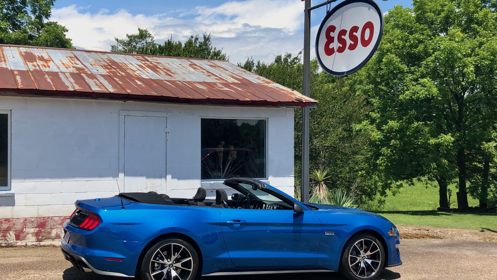 Review Update 2020 Ford Mustang Convertible Sends Svo Shivers Up The Stang S Spine