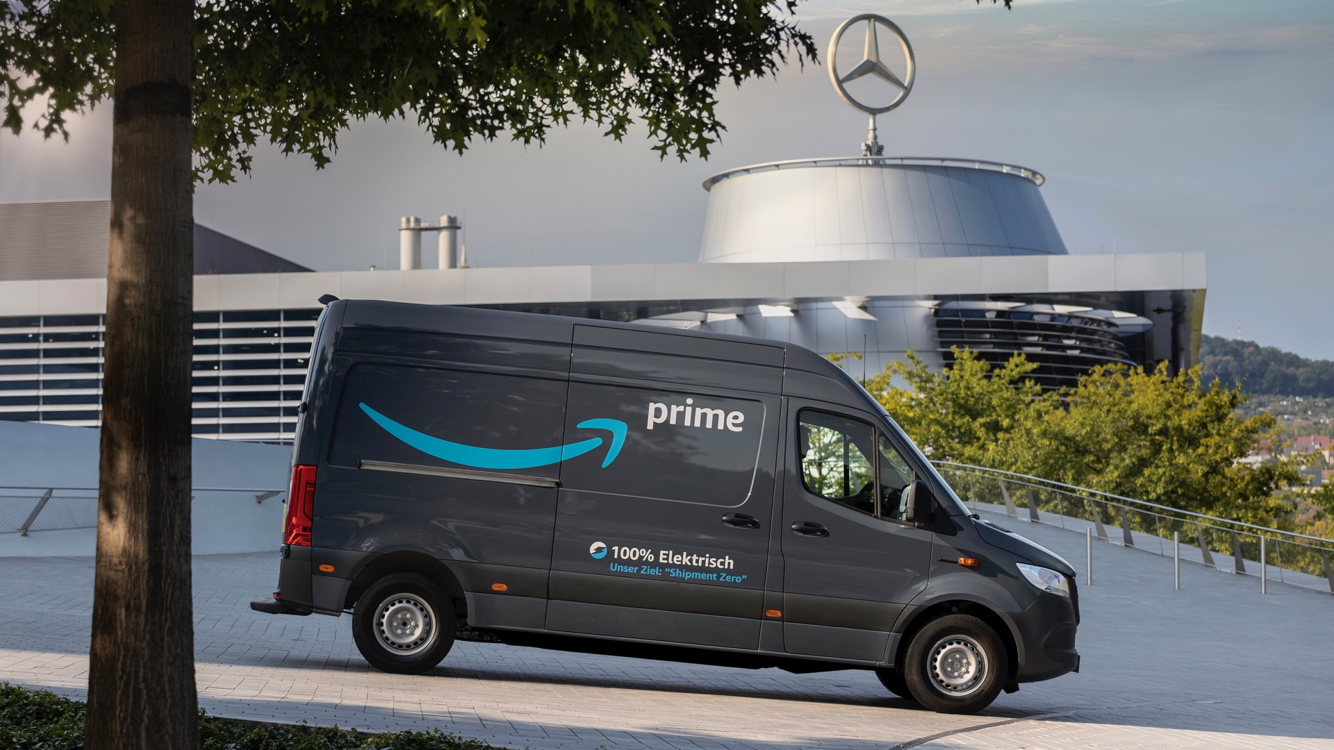 Mercedes-Benz eSprinter Amazon delivery van