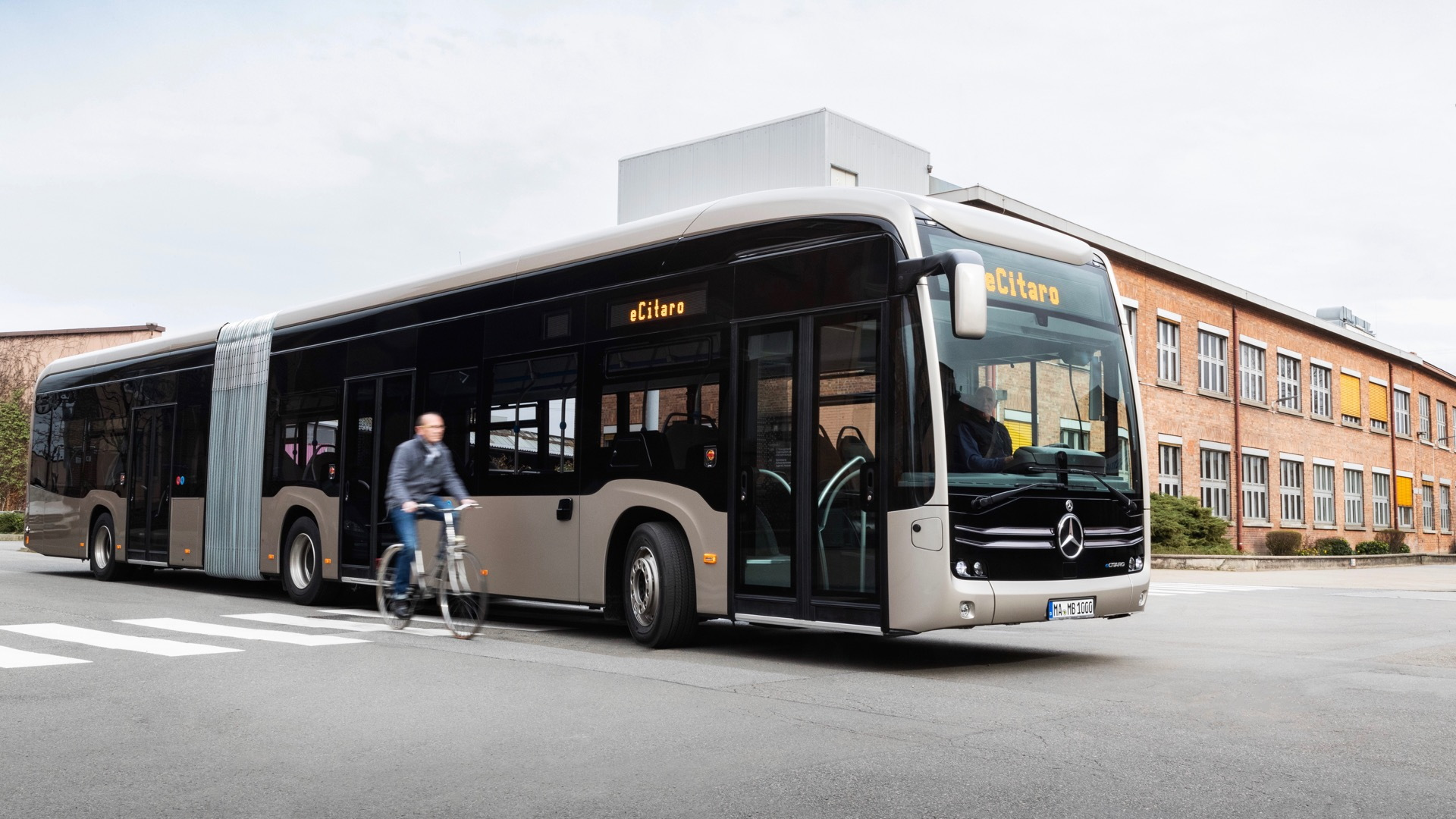 Mercedes-Benz eCitaro G electric bus
