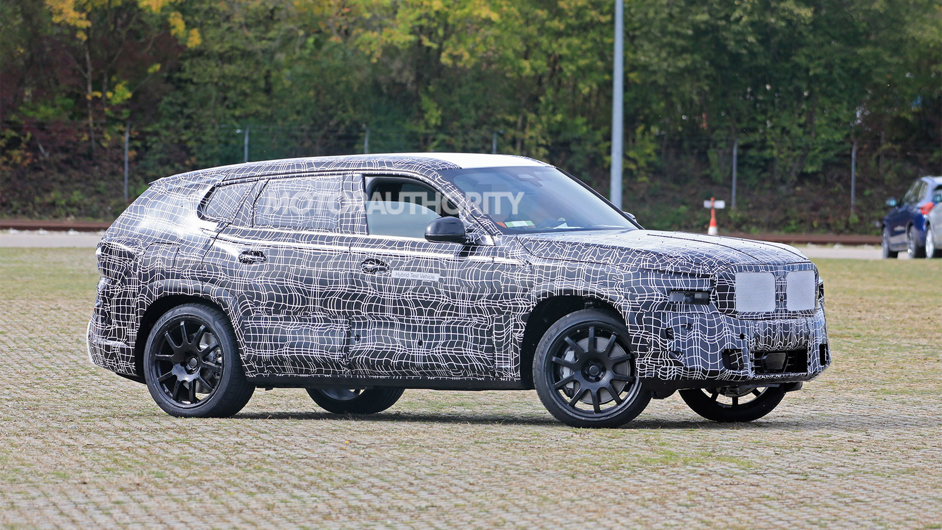 2023 BMW X8 spy shots - Photo credit: S. Baldauf / SB-Medien