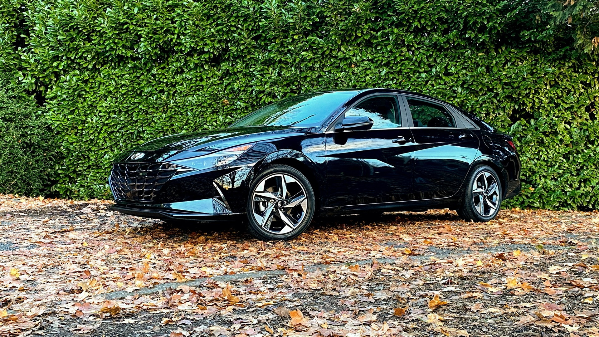 2021 Hyundai Elantra Hybrid Limited  -  Review update, December 2020