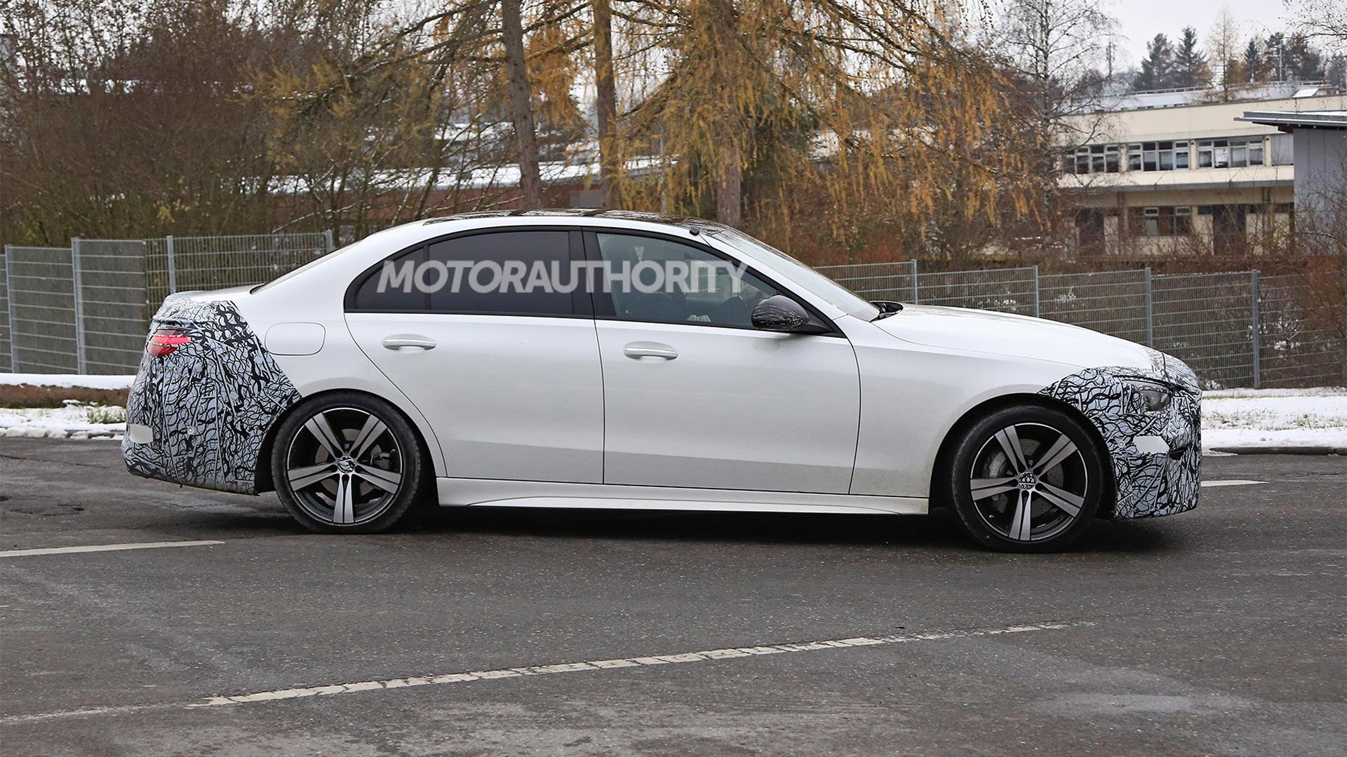 2022 Mercedes-Benz C-Class spy shots - Photo credit: S. Baldauf/SB-Medien