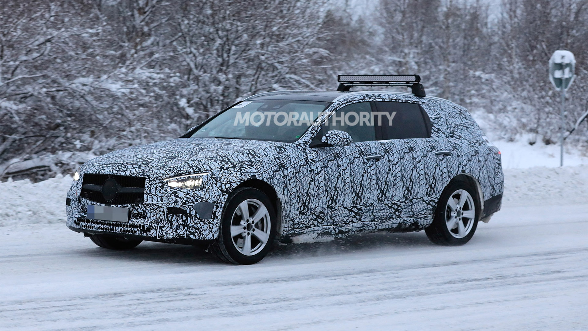 2022 Mercedes-Benz C-Class Wagon spy shots - Photo credit: S. Baldauf/SB-Medien