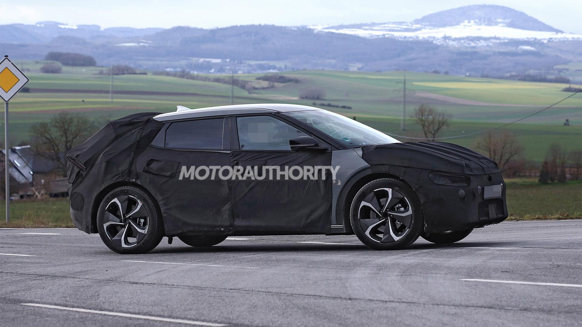 2022 Kia CV electric vehicle spy shots - Photo credit:S. Baldauf/SB-Medien