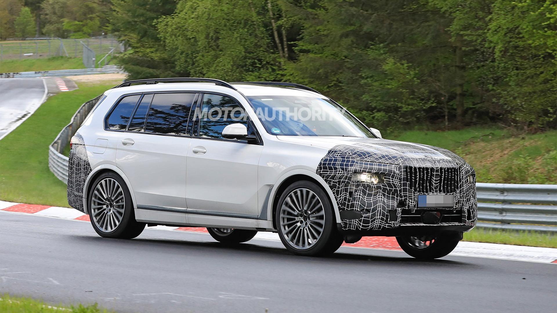 2023 BMW X7 facelift spy shots - Photo credit:S. Baldauf/SB-Medien