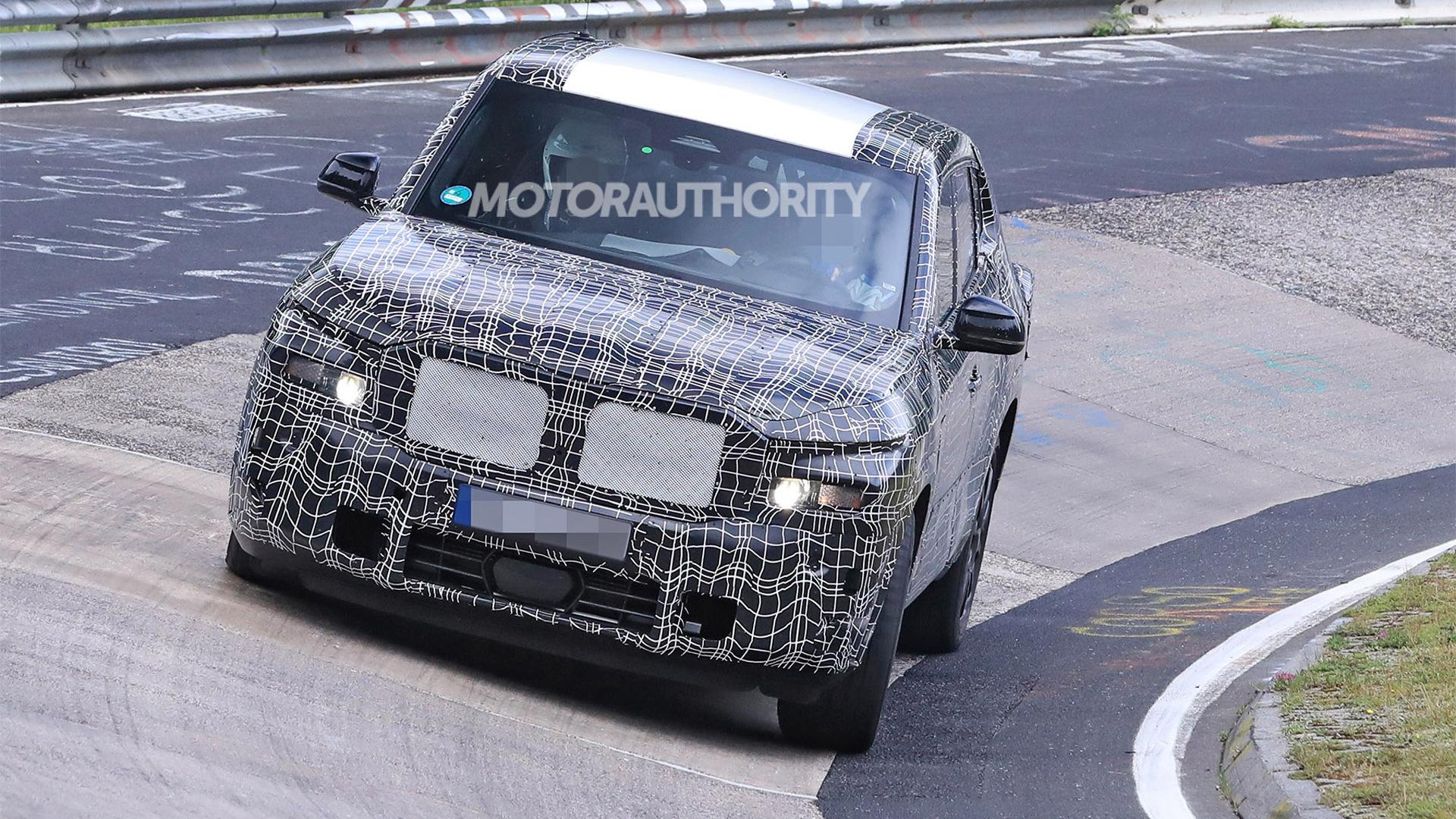 2023 BMW X8 M spy shots - Photo credit:S. Baldauf/SB-Medien