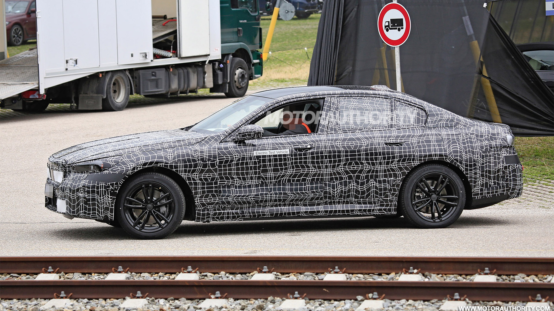 2024 BMW i5 (electric 5-Series) spy shots - Photo credit: S. Baldauf/SB-Medien