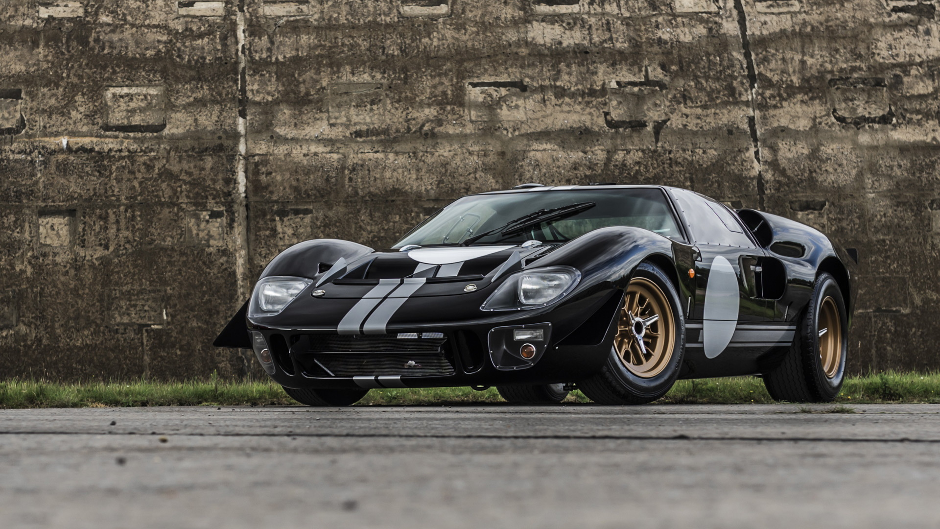 Ford GT40 electric conversion by Everrati
