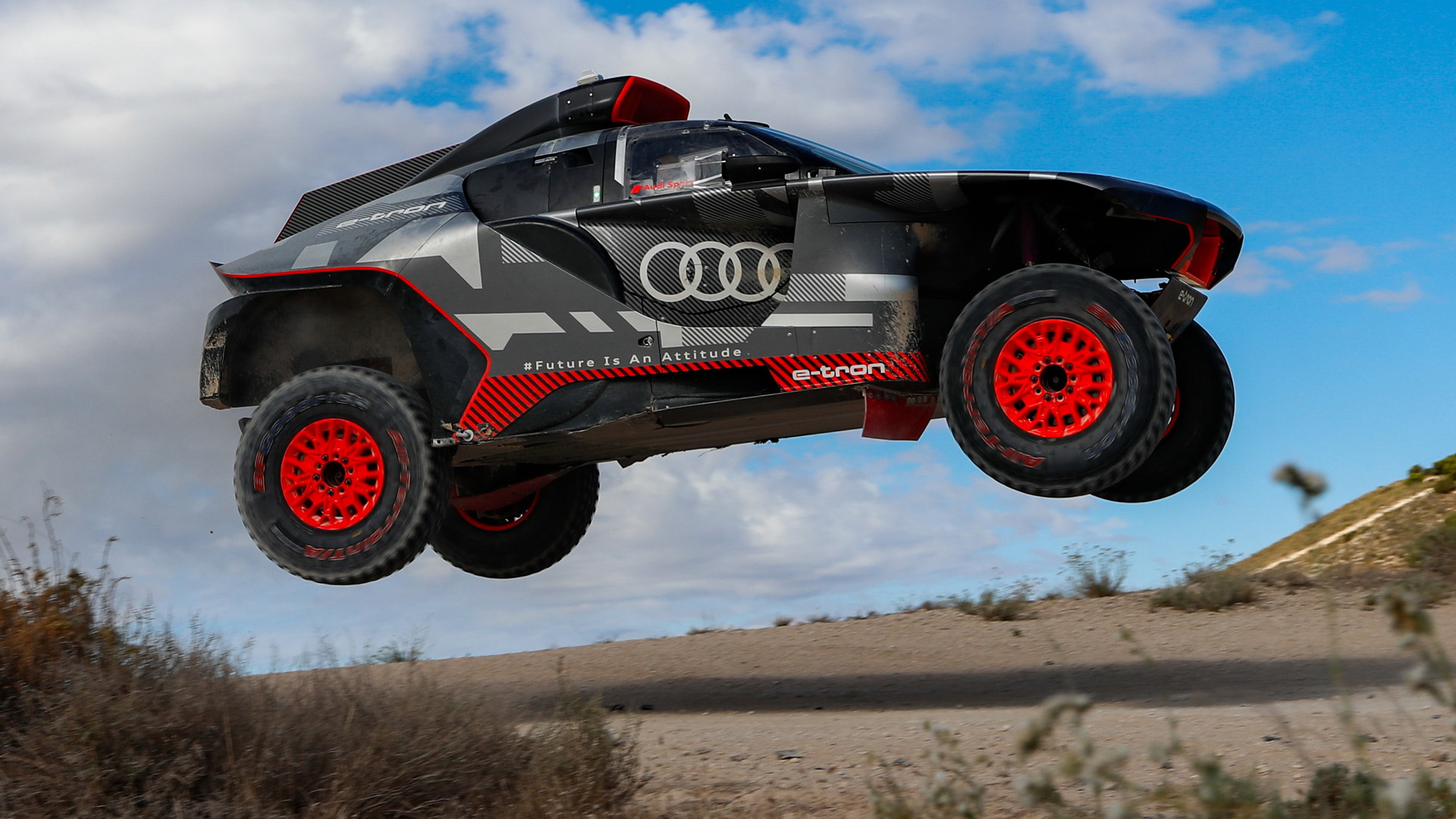 Audi RS Q E-Tron hot-weather testing near Zaragoza, Spain - August 2021