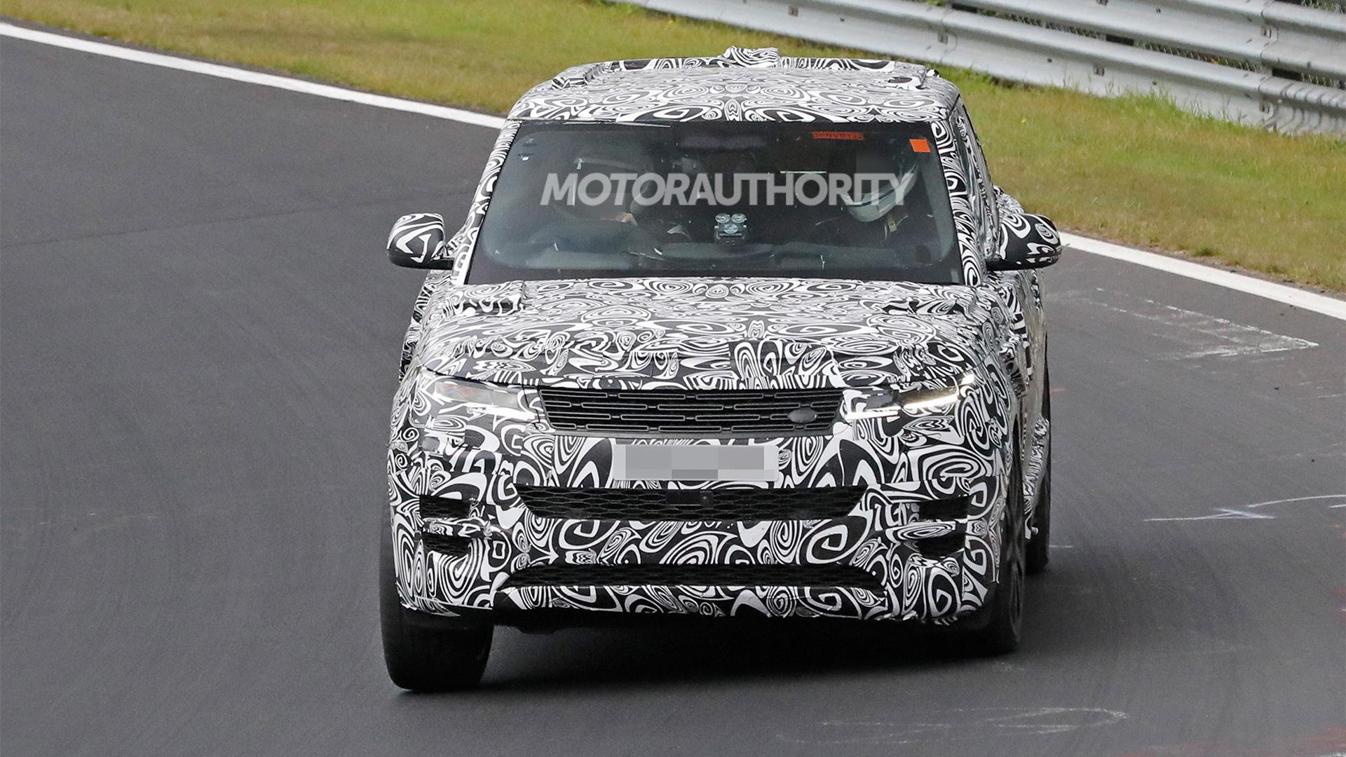 2024 Land Rover Range Rover Sport SVR spy shots - Photo credit:S. Baldauf/SB-Medien