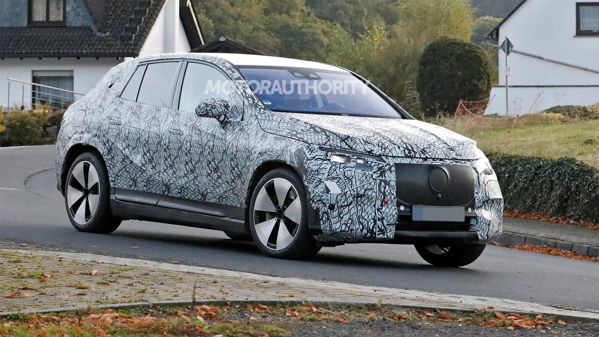 2023 Mercedes-Benz EQE SUV spy shots - Photo credit:S. Baldauf/SB-Medien