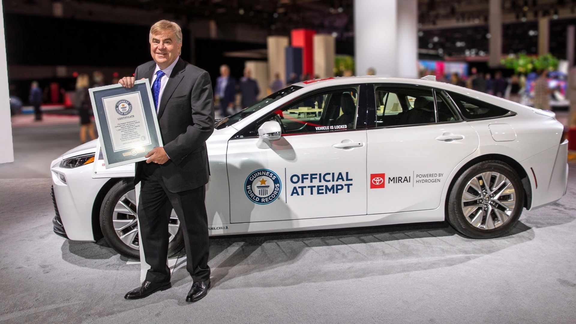 Toyota North America EVP Bob Carter and record-setting 2021 Toyota Mirai
