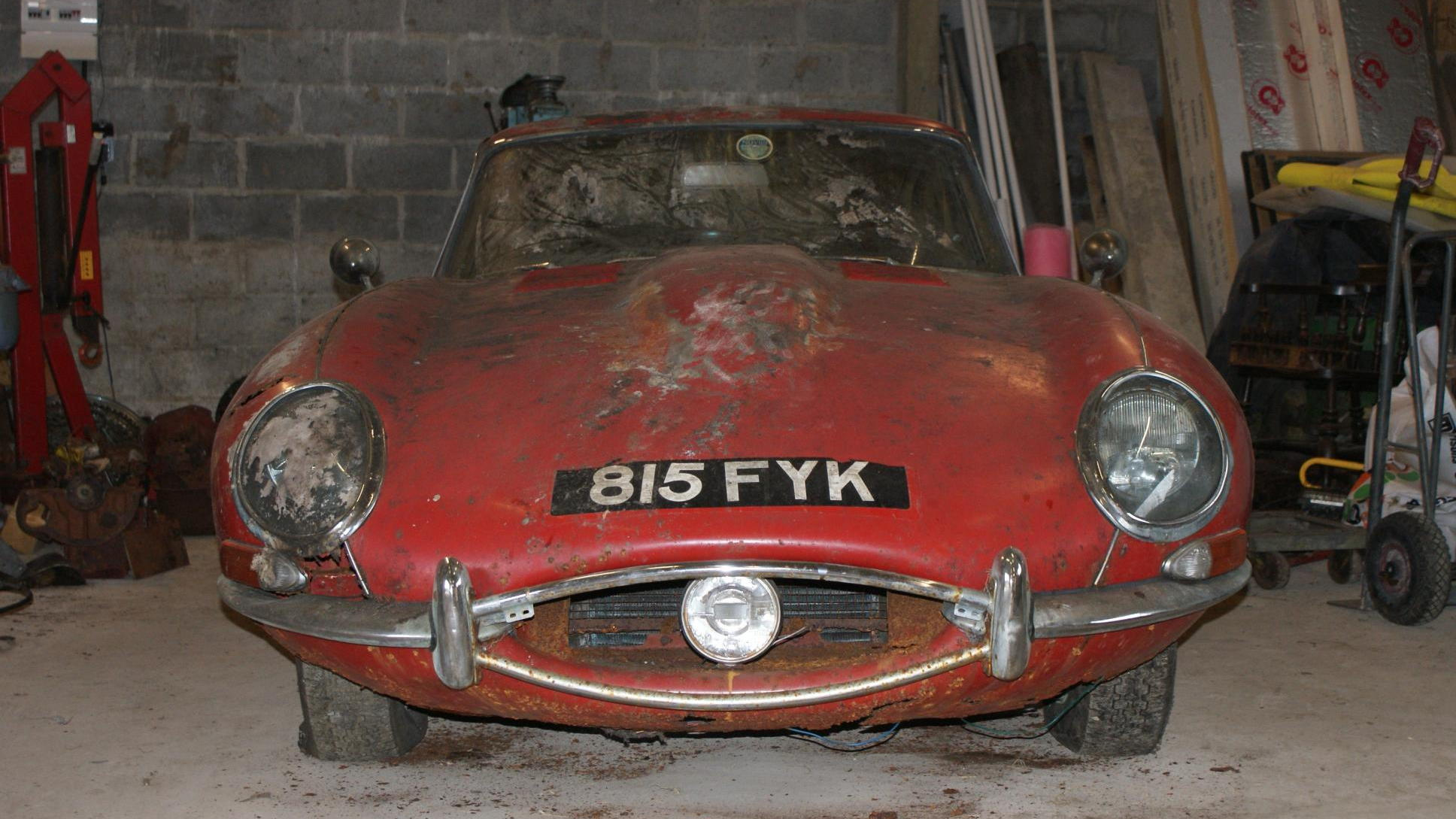 Jaguar E-Type barn find