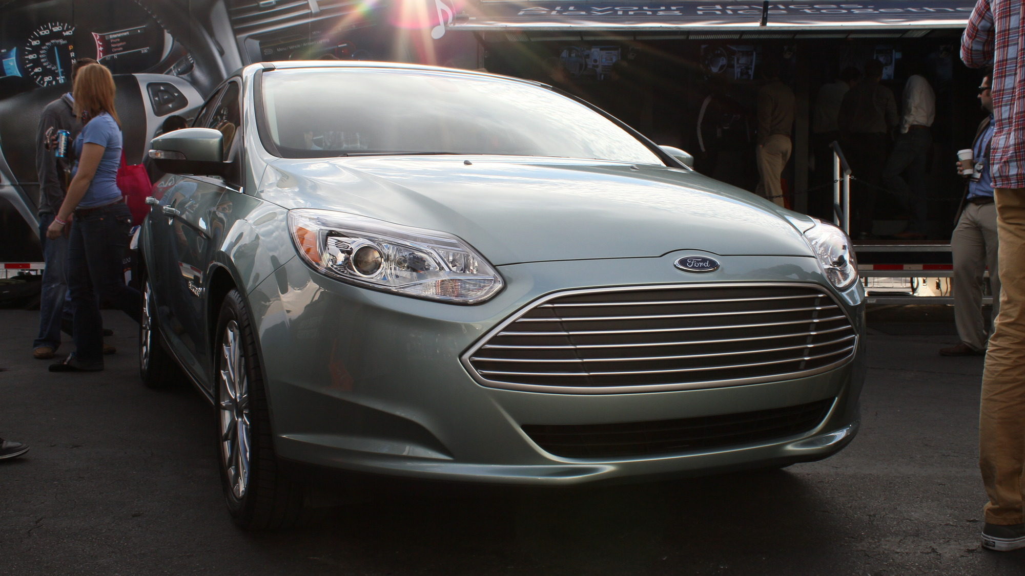 2012 Ford Focus Electric live at CES 2011