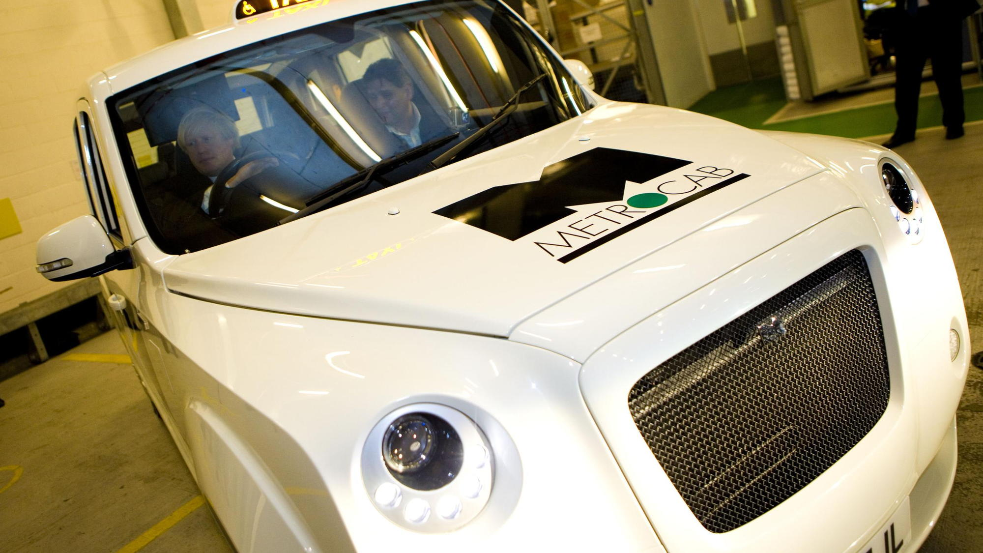 Metrocab range-extended London taxi unveiled by Boris Johnson