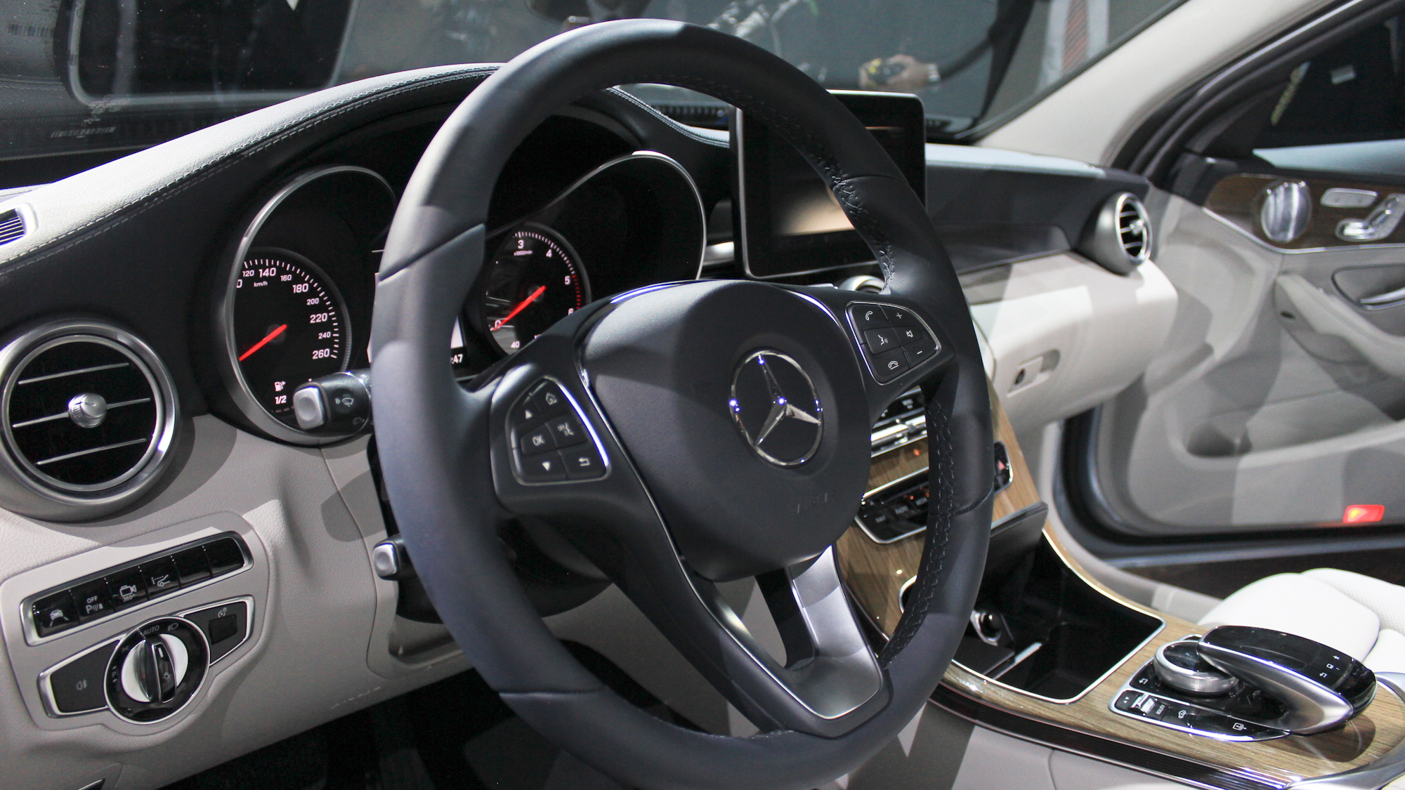 2015 Mercedes-Benz C-Class live photos, 2014 Detroit Auto Show preview