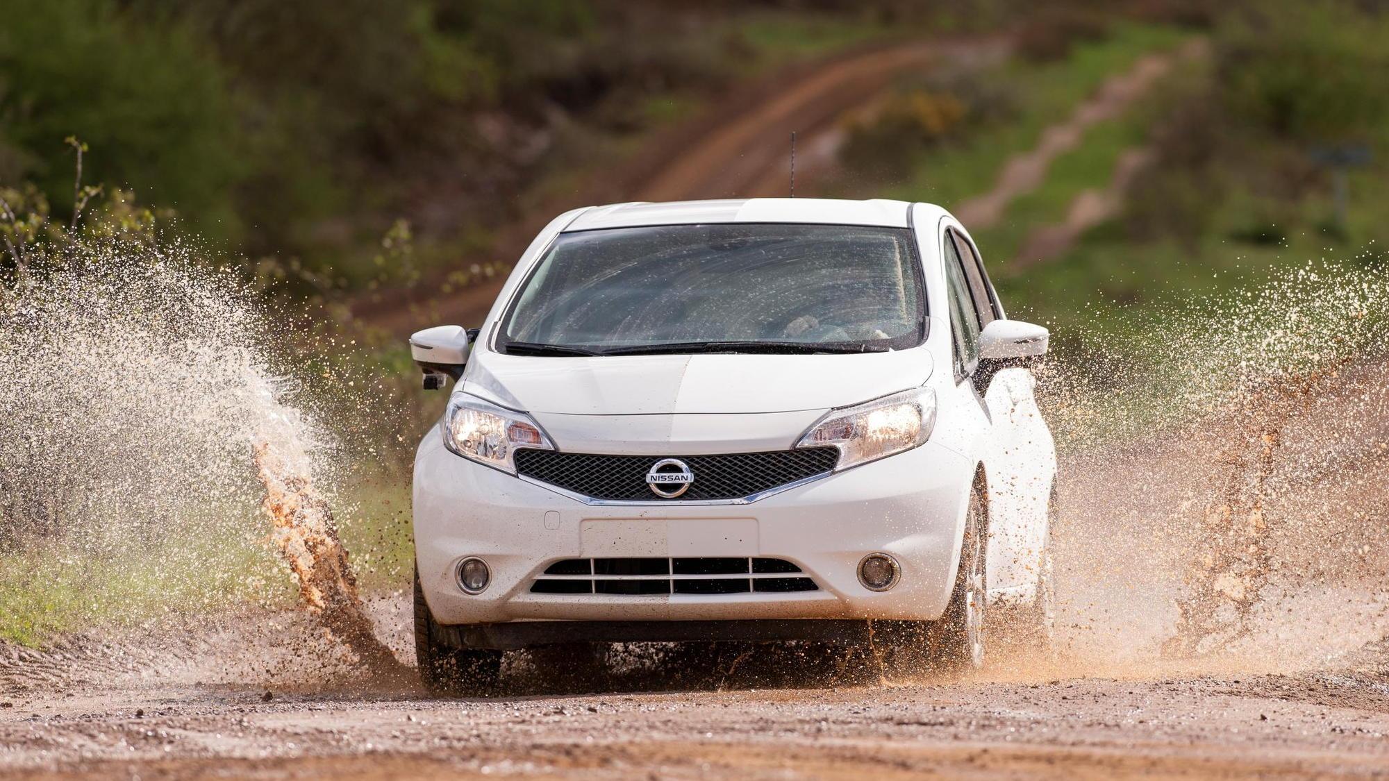 "Nissan Versa Note ""self-cleaning"" prototype"