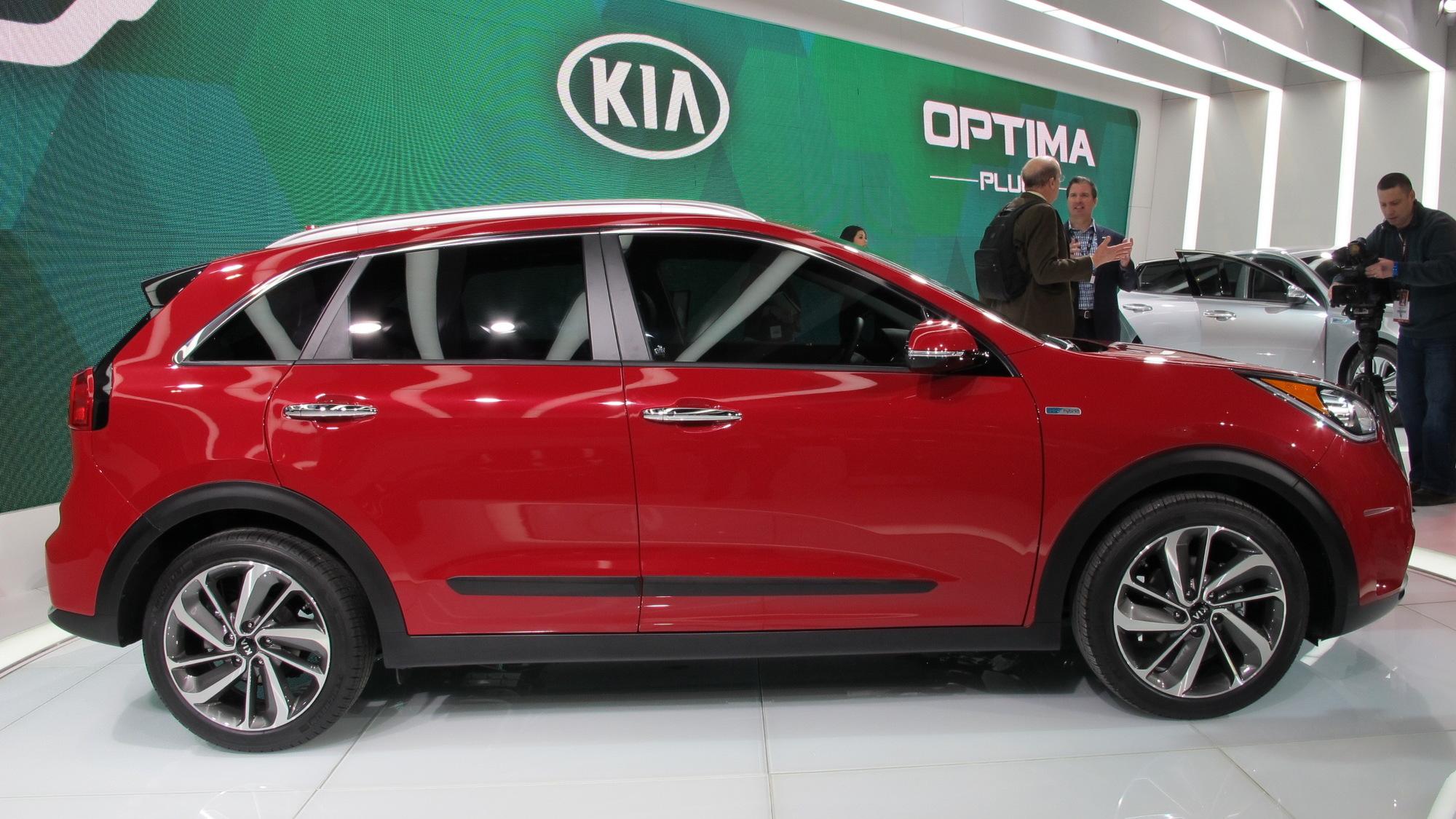 2017 Kia Niro, 2016 Chicago Auto Show