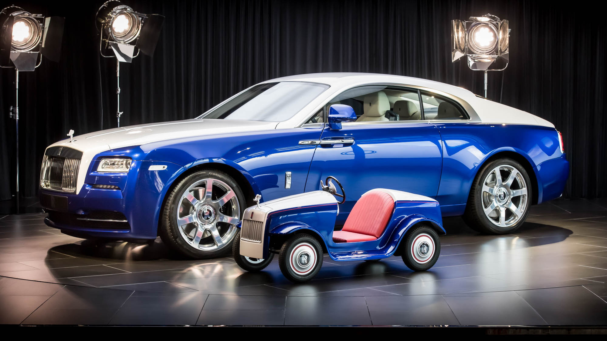 Rolls-Royce Motor Cars produces SRH hospital car for children