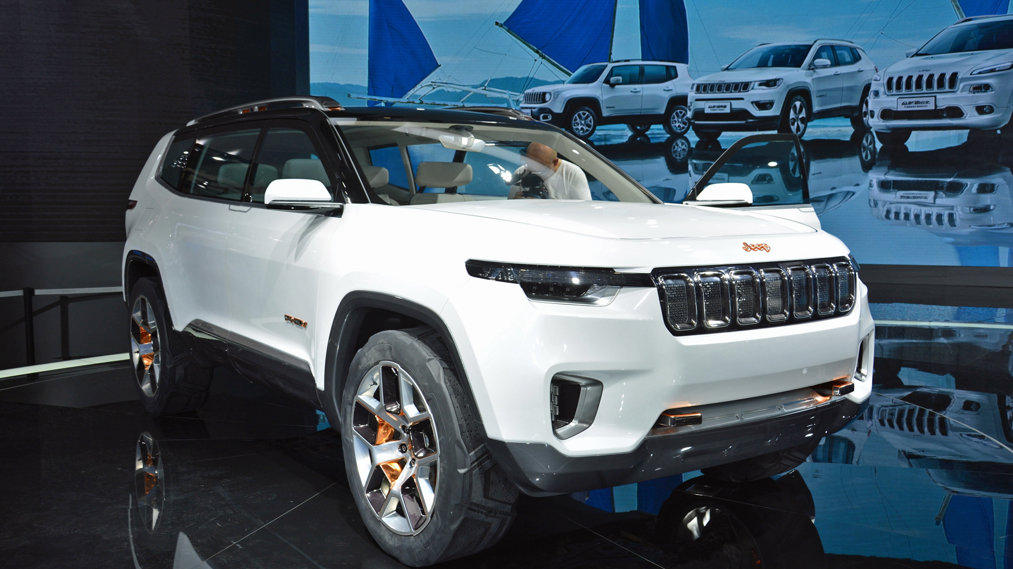 7 Seater Suv 2017 >> Jeep Yuntu Hybrid Concept May Foreshadow Future Chinese 7