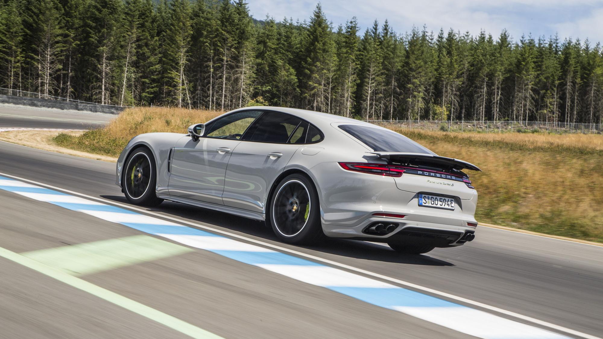 2018 Porsche Panamera Turbo S E Hybrid