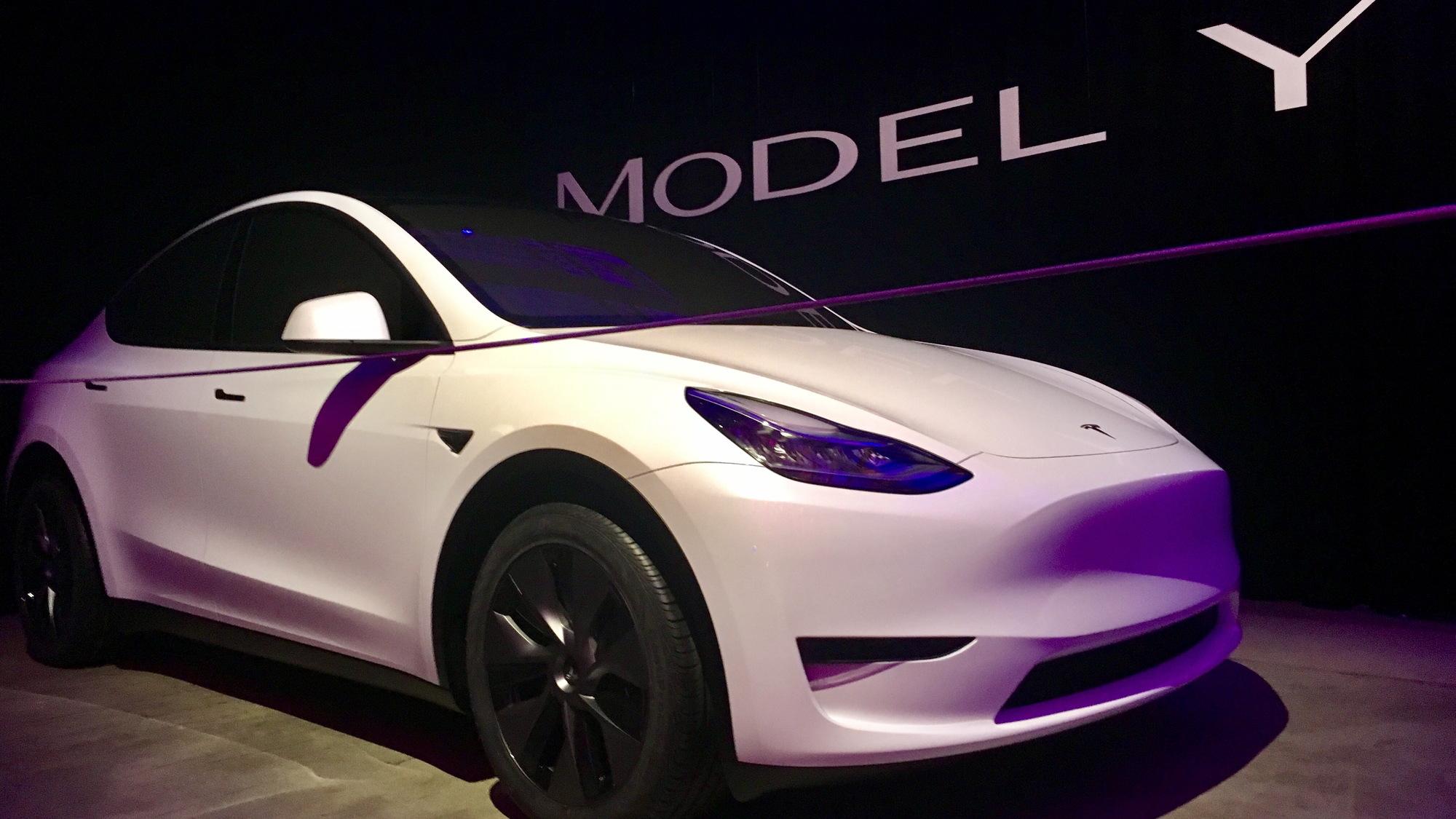 Tesla Model Y  -  introduction, Hawthorne CA, March 2019