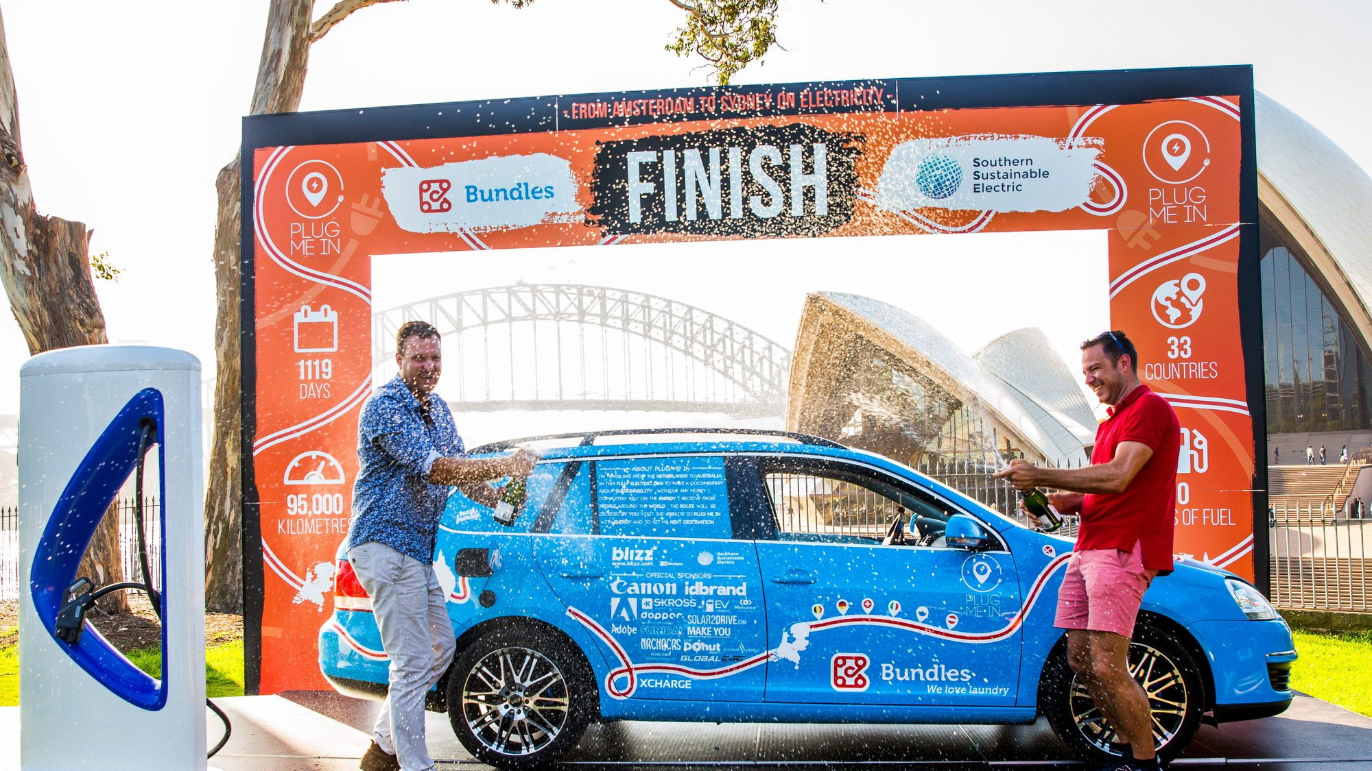 Wiebe Wakker finishes electric-car tour