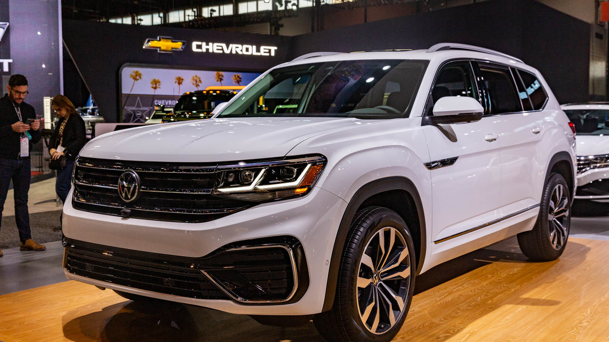 New Look 2021 Vw Atlas Borrows From Cross Sport Crossover Playbook