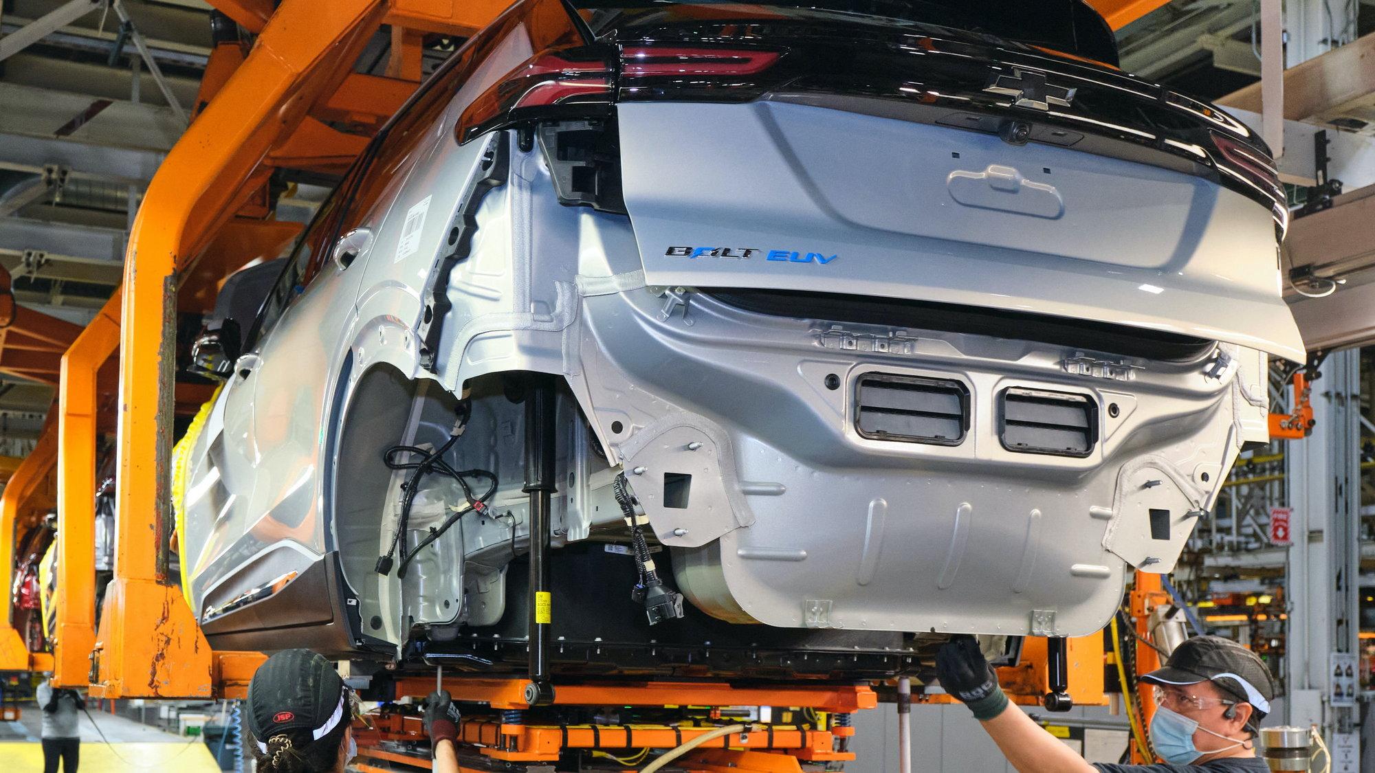 2022 Bolt EV assembly - battery marriage