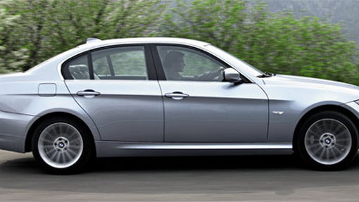 Report: BMW considering four-cylinder 3-series for U.S.