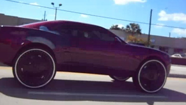 Video Chevrolet Camaro Spotted With Ridiculous 30 Inch Wheels