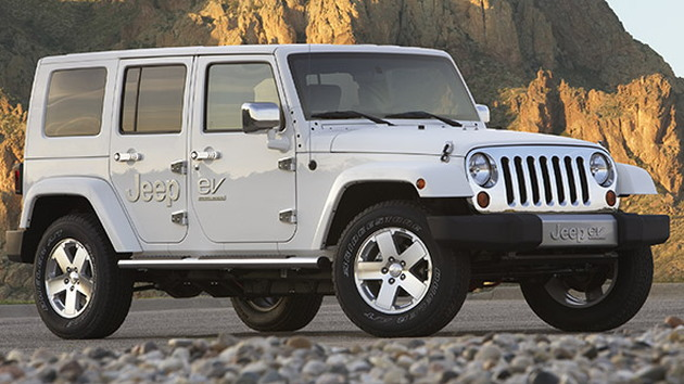 2021 Jeep Wrangler Plug-in Hybrid >> Jeep Takes Electric Technology Off Road With Wrangler Based