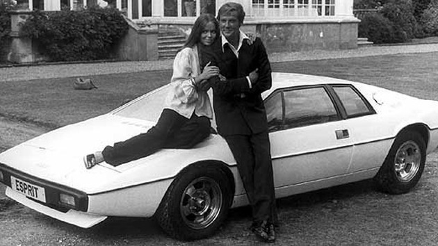 James Bond underwater Lotus Esprit
