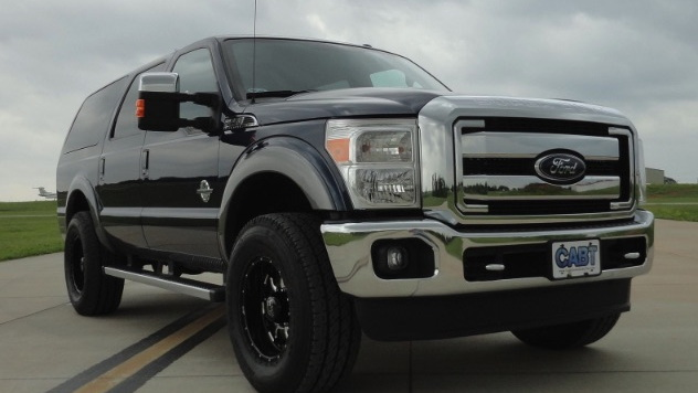 'New' Ford Excursion SUV from Custom Autos by Tim