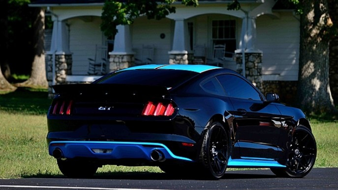 Petty's Garage 2015 Ford Mustang